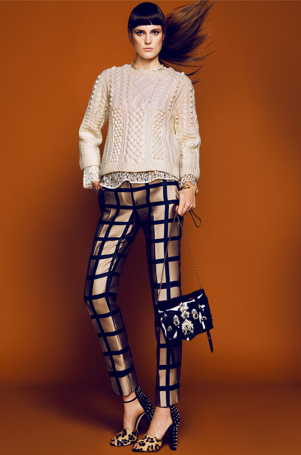 Mix trendy prints and textures in the same color family.